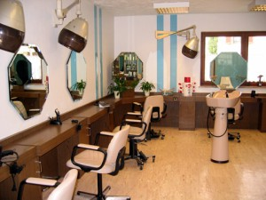 Salon Doris